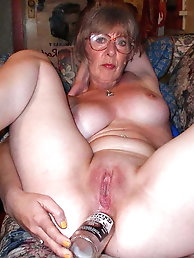 Mature gilf gets her holes hammered