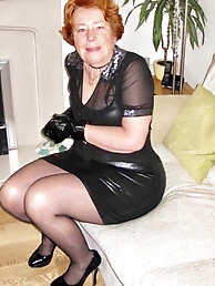 Grandma Penny from Essex displaying her sexy body