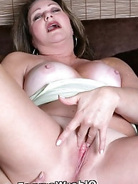 Mature prostitute loves anal sex