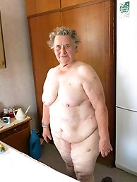Glamour mature lady with unshaved vagina